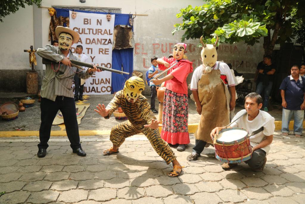 Danzas Folklóricas de El Salvador - el tigre y el veneado