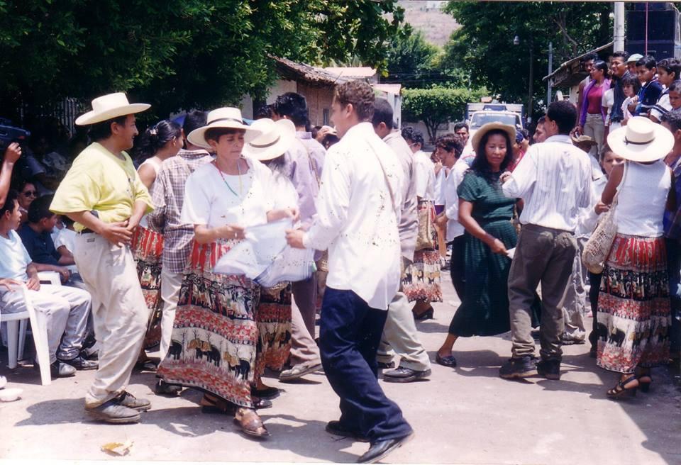 Danzas Folklóricas de El Salvador - Danza de los Tabales.